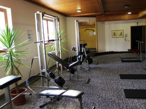 Einladendes und helles Fitnesscenter